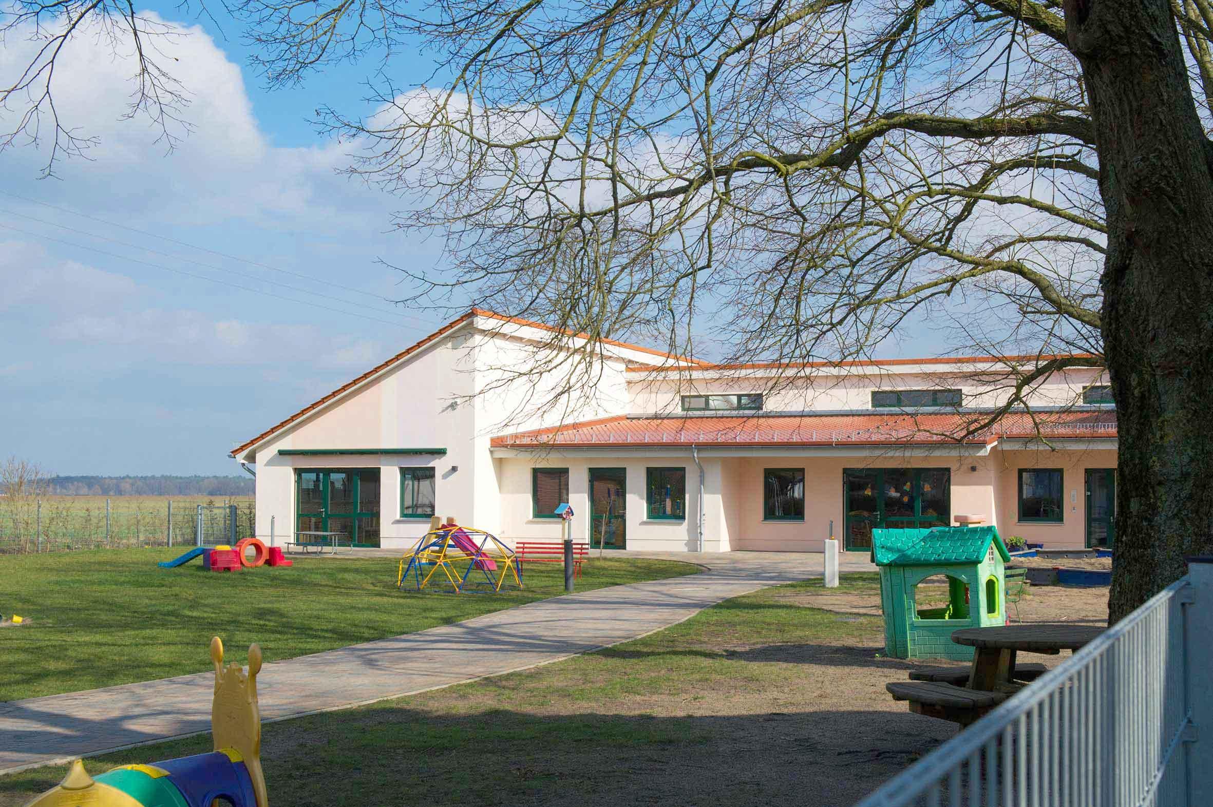 Bloomfeld_Natur_Grundstück_erwerben_Zahrensdorf_NeuGülze_Kinderkarten